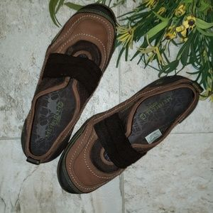 Sz 8 1/2 Merrell two tone brown leather shoes